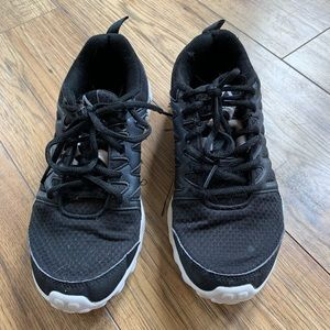Reebok Shoes - 🦋 Reebok black and white running/training shoes